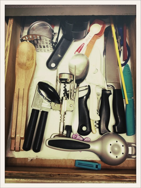 I have never been able to see all the items in this drawer so clearly. That makes me happy.